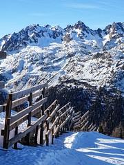 Montagnes haut-savoyarde (Manon Ridet) Tags: montagne montblanc mountain sommet nature neige hautesavoie hiver rhônealpes chamonix ski alpinisme alpes randonnée rocher france