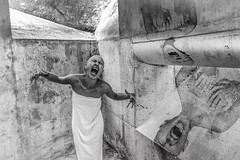 Abreacció (Kaobanga) Tags: abreacció abreacción abreaction emocional emotional emoció emoción emotion alliberarse liberarse freedom nociu nocivo harmful trauma traumàtic traumático traumatic concepte concepto concept conceptual surreal surrealisme surrealismo surrealism blancinegre blancoynegro blackandwhite bn bw canon5dmarkii canon5dmkii canon5dmk2 canon1635 1635 1635mm canon1635mm kaobanga art