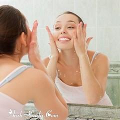 ما هي الأخطاء التي ترتكبينها عند غسل وجهك؟ (Arab.Lady) Tags: ما هي الأخطاء التي ترتكبينها عند غسل وجهك؟