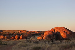 Sunrise at the Devil's Marbles (cathm2) Tags: australia nt wauchope karlukarlu devilsmarbles travel rocks light dawn sunrise