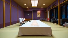 KINCHA-RYO,EST.1933,KAGA-CUISINE,KANAZAWA,ISHIKAWA PREF., RETREAT BY SAIGAWA RIVER, JPN/ 金茶寮、天皇の宿、国賓の宿、貴賓の宿、加賀の金茶寮、金茶寮の「富貴の間」、玄関門部分は昭和時代の「日本の宿十景」の一番目、犀川畔、四季を愛でる加賀料理、朝食は茶室御亭(おちん)の間で、郷土料理の治部煮も、「一客一亭」のおもてなし、女将・北元慶子、加賀前田家 家老横山男爵の別邸、金沢最高峰の宿、きんちゃりょう、七福神