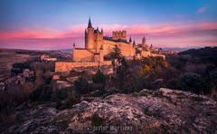 La fortaleza (Javier Martínez Morán) Tags: alcazar segovia castilla leon castle castillo torre tower catedral nubes sunset atardecer