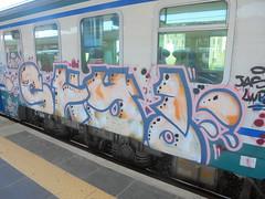papi poos <3 (en-ri) Tags: shy uw lov indaco rossa gocce train bologna graffiti writing