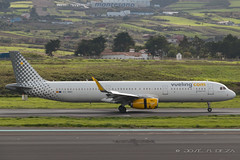 Vueling A321-231 EC-MMU (Jos M. Deza) Tags: 27112016 a321231 airbus ecmmu planespotting spotter tfn tenerife vueling aircraft