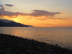 Paleochora. (~Ingeborg~) Tags: meinge greece griekenland kreta crete paleochora sunrise sea zee vroegeochtend earlymorning opdedagvan onthedayof clouds wolken mountains bergen stones stenen