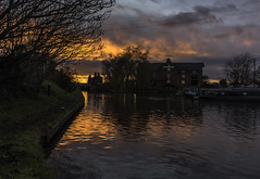 The Remains of the Day (Steve Millward) Tags: nikon nikkor d750 2470 fx fullframe stevemillward perspective interesting colour light mood moment sunset derby winter cold water canal shardlow clockwarehouse boats sky cloud marstons tree grass canalpath reflections