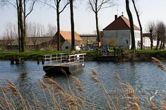 Kobus (Panthera-be) Tags: water transport belgië veer westvlaanderen kanaal landschappen damsevaart botenenschepen lapscheure