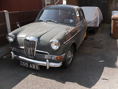1962 Riley 1.5 Saloon  265 ABX (Paul D Cheetham) Tags: b four riley derbyshire january engine july 15 series spotted petrol straight saloon 1962 derby 19th litre 265 22nd allestree 2014 abx 1489cc straightfour 265abx