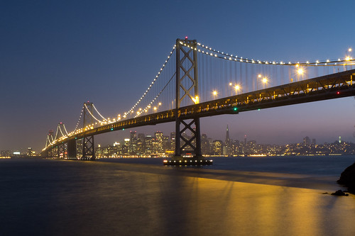 Bay Bridge bei Nacht