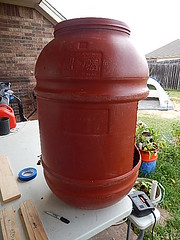 SIDE VIEW OF MY DIY COMPOSTER BARREL (coupe1942) Tags: compost compostbin composter diycompostbin