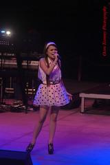 beautiful singer (tomzcafe) Tags: nikon singapore esplanade d90 soligor13528 adatewithfriends