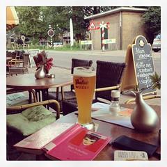 Eetcaf de Buren - Beckumerstraat - Boekelo  #boekelo #buren #deburen #terras #caf #twente #weizen #grolsch (Marcel van Gunst) Tags: valencia square squareformat enschede terras grolsch twente buren boekelo deburen weizen spoorwegovergang eetcaf beckumerstraat iphoneography instagramapp uploaded:by=instagram