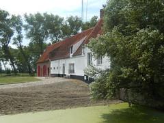 Groot Hof Mariemont, Zuienkerke (Erf-goed.be) Tags: geotagged westvlaanderen hoeve zuienkerke archeonet groothofmariemont geo:lon=31512 geo:lat=512777