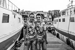 [Taranto Vecchia] (Luca Napoli [lucanapoli.altervista.org]) Tags: street blackandwhite biancoenero taranto streetportraits tarantovecchia lucanapoli fujifilmx100s