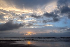 2014-09-20 17.35.09 (pang yu liu) Tags:  weather 2014 sep  09 sea coast     seashore sunset dusk
