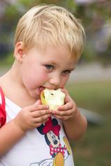 Een een appeltje eten #Margetgarden2014 #Airborne_2014