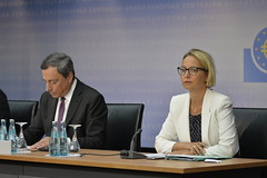 Press conference (European Central Bank) Tags: frankfurtammain ecb finance pressconference interestrates europeancentralbank monetarypolicy eurozone mariodraghi euroarea financialbanking christinegraeff
