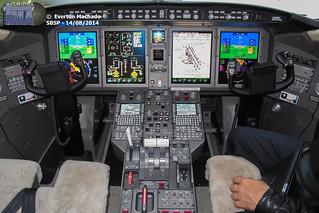 CHALLENGER 350 cockpit_1200px
