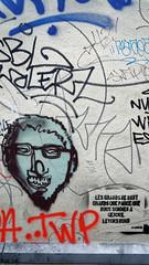 2016-07-17_16-37-00_ILCE-6300_9817_DxO (miguel.discart) Tags: 2016 27mm artderue belgium bru brussels bruxelles bxl bxlove createdbydxo dxo e18200mmf3563oss editedphoto focallength27mm focallengthin35mmformat27mm graffiti graffito grafiti grafitis ilce6300 iso200 mural sony sonyilce6300 sonyilce6300e18200mmf3563oss streetart