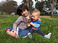 Maya & Kane (kayatkinson-simson) Tags: maya kane brotherandsister siblings corroboreepark ainslie sittingonthegrass greengrass