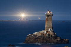 16DGM39185 (BreizHorizons) Tags: sein razdesein lavieille goulenez pharedegoulenez iroise parc marin didiergrimberg capsizun rocherdelagorlebella armen nuit seascape