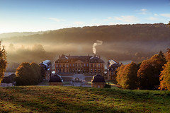 Chateau de Dampierre dans le Brouillard (Michel Hincker) Tags: castle mist automne green orange blue sky sun landscape trees canon 80d light sunrise nature outdoor fall edge autumn leaves serene foliage eos gnd 35f2