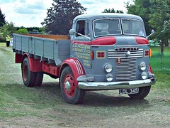 317 Commer QX R Series II (1954) (robertknight16) Tags: commer british 1950s qx rootes lorry truck luton ldl345