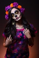 Catrina (lfbc) Tags: roja catrina flores flowers istmo tradiciones oaxaca mxico halloween noviembre sugarskull makeup maquillaje strobist nikon d5100 50mm