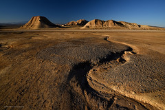 Bardenas .......... primeras luces (Anpegom fotografa) Tags: bardenasreales arguedas navarra parajenatural arcilla yeso arenisca erosin reservadelabiosfera arido