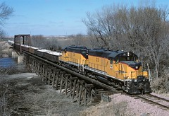 DAIR 23, 24 Big Sioux River Bridge Hawarden IA (Railblazer) Tags: dakotaiowa dakotaiowarailroad dair dairrailroad dakotaiowatrain dakotaiowarocktrain dakotaiowagp9 dakotaiowagp9locomotive emd emdgp9 gp9 gp9locomotive dakotaiowabigsiouxriverbridge bigsiouxriverbridge bigsiouxriver dakotaiowabridge dakotaiowahawardeniowa hawardeniowa hawarden dairhawarden