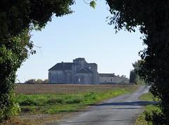 161030 Trizay (J J D) Tags: abbaye trizay