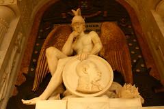 Mausoleo del Marqués del Duero. Panteón de Hombres Ilustres. Madrid (Carlos Viñas-Valle) Tags: mausoleo panteondehombresilustres marquesdelduero eliasmartin marte