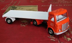AEC Mercury (?)  Articulated lorry - 1/43 (?) Dinky Toys (xavnco2) Tags: modlesrduits diecast models truck model dinkytoys uk 915 aec articulated lorry semiremorque plateau flatbed semitrailer