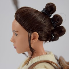 Star Wars Elite Series Rey Premium Action Figure - Disney Store Purchase - Deboxed - Freestanding - Closeup Right Side View (drj1828) Tags: starwars theforceawakens rey figure actionfigure purchase disneystore eliteseries premium posable 10inch deboxed freestanding