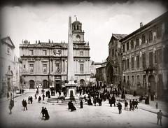 Place de la République en Arles, vers 1900... Collection Reynald ARTAUD (Reynald ARTAUD) Tags: 1900 provence arles place république collection reynald artaud