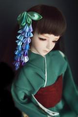Light Blue wisteria kanzashi for BJD dolls. Silk flowers. (Bright Wish Kanzashi) Tags: kanzashi tsumamizaiku hanakanzashi handmade silk textile art japanesetechnique bjdkanzashi bjd doll size