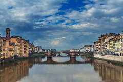 Arno (CROMEO) Tags: arno rio river toscana firenze florencia city ciudad nubes day fine colors arquitectura building cromeo cr photo photography view amazing place viewpoint ponte puente bridge viejo vechhio clouds sky vistas turismo turist euro europe union ue carlos nikon d610