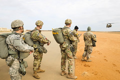 161208- 2nd Brigade Combat Team, 82nd Airborne Division Airborne Operation (82nd CAB) Tags: airborneoperation 82ndcombataviationbrigade 82ndairbornedivision 2ndbrigadecombatteam fortbragg ch47chinookhelicopter aviation fayetteville northcarolina unitedstates us