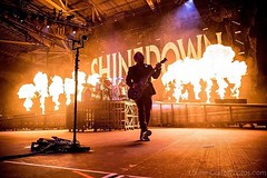 #Repost #Shinedown: Mr. @zmyersofficial always bringin the STYLE... Photo by @larnlg (ShinedownsNation) Tags: shinedown nation shinedowns zach myers brent smith eric bass barry kerch