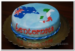 From Outback to Welcomeback (Dolcegacreations) Tags: wwwdolcegacom dolcega dolcegacreations pastadizucchero pandispagna pds pdz spongecake australia italia italy welcomeback