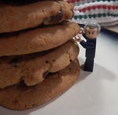 2016-341 - National Cookie Day (Steve Schar) Tags: 2016 wisconsin sunprairie nikon nikonaw120 project365 project366 lego minifigure doctorwho cookie cookies chocolatechip chocolatechunk