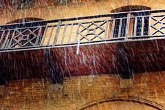 Trip to San Gimignano (Andre Strauss) Tags: people holiday rain weather canon season san leute gimignano may haus mai tuscany stadt toskana huser 550d