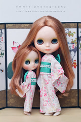 Sisters (Emmie Ame) Tags: canon eos outfit doll blythe neo fbl cwc dollclothes middieblythe vinterarden emmietomaru parsongrace