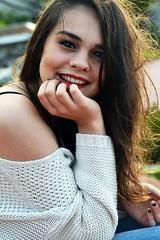 DSC_0785 (Solne Tarrieu) Tags: france smile photo femme tags passion redlips toit mode sourire douce brune tendresse visage regard douceur hauteur fminit passionne percutant d3100 solnetarrieu