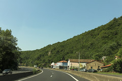 A75 - Saint-Yvoine (France) (Meteorry) Tags: road france june bar restaurant highway europe traffic autobahn route autopista freeway autoroute circulation a75 auvergne puydedme autostrada 2014 massifcentral naves meteorry issoire lamridienne laribeyre saintyvoine riedessapinires lescalerve