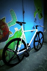 TAIWAN FIRST FIXEDGEAR SHOP OZOTW X SG2 COMPLETE BIKE X OZOTW OSPOKE WHEELSET IN BLACK X 2014 OZOTW SHOTGUN PATENT FRAME (OZOTW) Tags: green bicycle shop 50mm cycling aluminum asia track raw meetup taiwan gear fork tire cap ag frame singlespeed fixed taichung fixie fixedgear gt carbon custom velodrome slope pursuit mash sanmarco skid lug ozo 2014 aff1 aff2 aff3 chainlock bottombracket 4130 cinelli 700c madeintaiwan 2013 6066 steelbike chromoly 46t completebike kingheadset tricktrack carbonrim bullhornbar barspinable ozotw srams80 wwwozotwcom 4130steel slopeframeset tpuvelcrotoestrap eurobottombracket 40mmdeeprim affframeset ospoke