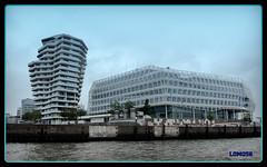 Marco-Polo-Tower und Unilever-Haus, Hamburg (Deutschland) (LOMO56) Tags: hamburg tours türme torri torres modernearchitektur hafencityhamburg towerstorritorrestourstürme hamburgerarchitektur