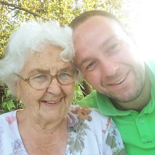С любимой бабушкой Сашей не виделись два года #бабушка #встреча #высокое #артурякуцевич #беларусь #внук #grandmother #family #семья