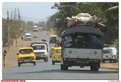 Madagascar - Diego Suarez (olivierzeworld) Tags: voyage jaune taxi diego circuit madagascar semaine 2010 afrique suarez organisé