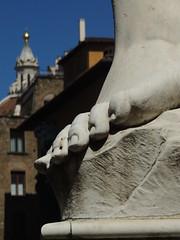 DSCN7029 (Tu prova ad avere un mondo nel cuore...) Tags: italien italy sculpture art statue florence italia arte kunst skulptur tuscany florencia firenze toscana toscane statua florenz toskana scultura itallie